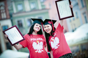 Photographic reportage for university graduates