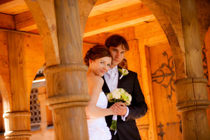 Wedding photographer in Jelenia Gora can be from Poznan